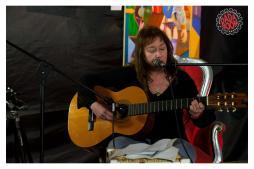 Canti Toscani Popolari e di Lotta con Laura Bartolini 2